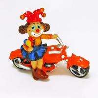 YW-00694 (96) Клоун на мотоцикле , 17*7*14см