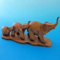 BH-685319 (12) 28*9,2*16,5см. Семья из трех слонов, полистоун
