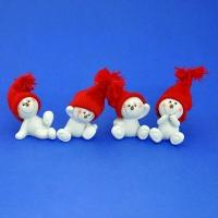 LR-1452 (18наб.) 5*4*7см. Набор из 8 снеговиков в шапке, из полистоуна, 4 вида