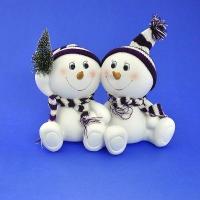LR-1471 (12) 23*11*15см. Пара снеговиков в шапке и шарфе с елочкой, из полистоуна