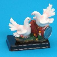 MR-33666 (36)  12*7*11см. Пара голубей из полистоуна, на подставке