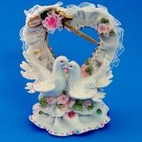 MR-38361 (18)  12*10*18см. Сердце с голубями, из полистоуна
