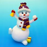 MY-15049 (48) 8,5*6*12,5см. Снеговик со снежком и колокольчиком, полистоун