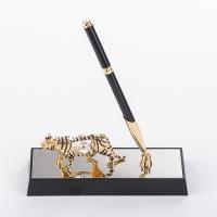 U-4593-17H3/CG (36) 16*6*19см Ручка на подставке c тигром,с 3 хрусталиками позолоченная