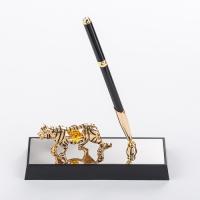 U-4593-17H3/CGT (36) 16*6*19см Ручка на подставке c тигром, с 3 хрусталиками позолоченная