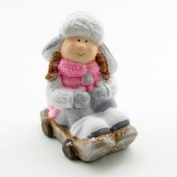Q-25804 (24наб.) 8*11*14см. Набор из 2-х девочек на санках в розовом пуховичке и шапке