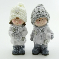 Q-25815 (24наб) 9*8*18см. Набор из 2-х детей в зимней одежде, 2 вида