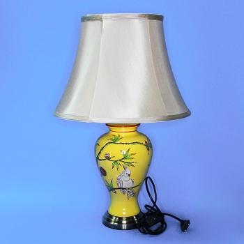 NI-01107A (1) d=36см, h=55см Электрическая лампа с абажуром, желтая с попугаями, керамика